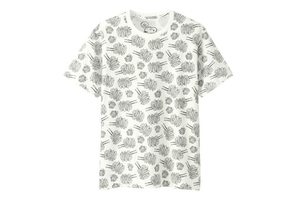 http_hypebeast.com_image_2017_03_kaws-peanuts-uniqlo-ut-collection-complete-look-05