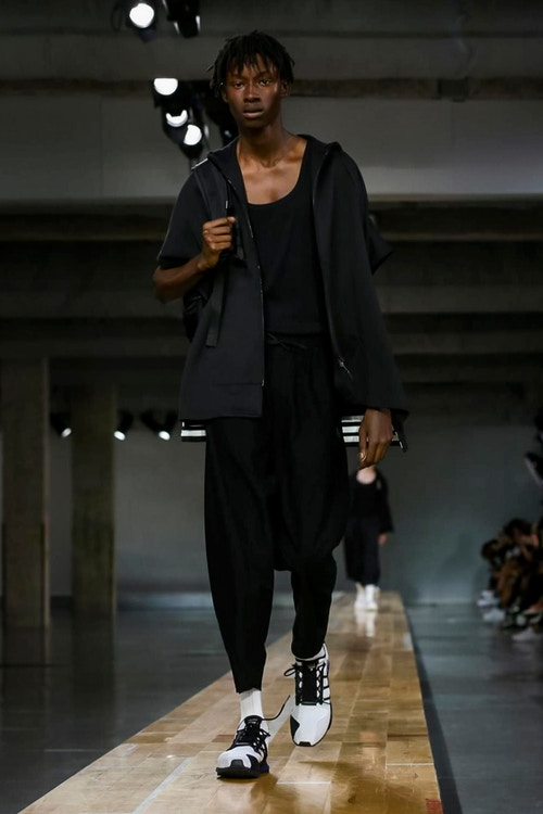 http_hypebeast.com_image_2017_06_y-3-2018-spring-summer-collection-13