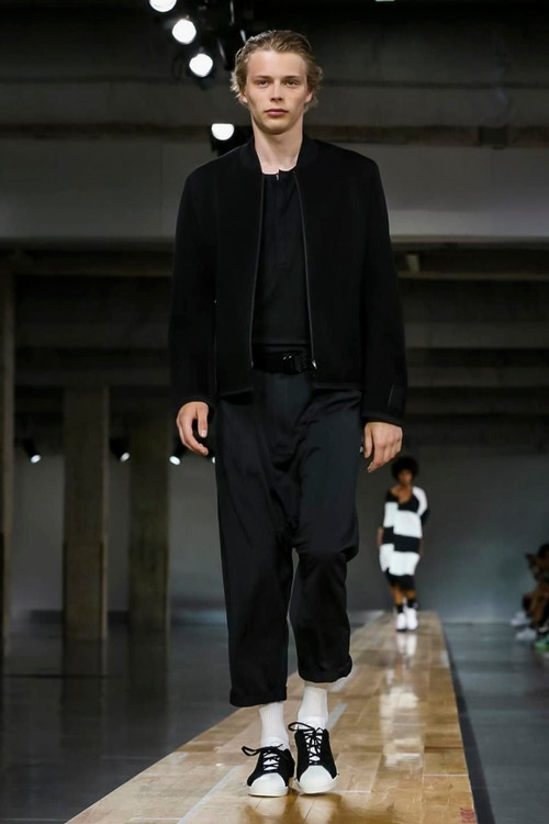 http_hypebeast.com_image_2017_06_y-3-2018-spring-summer-collection-15