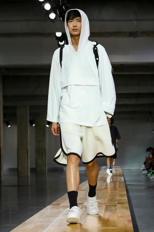 http_hypebeast.com_image_2017_06_y-3-2018-spring-summer-collection-23