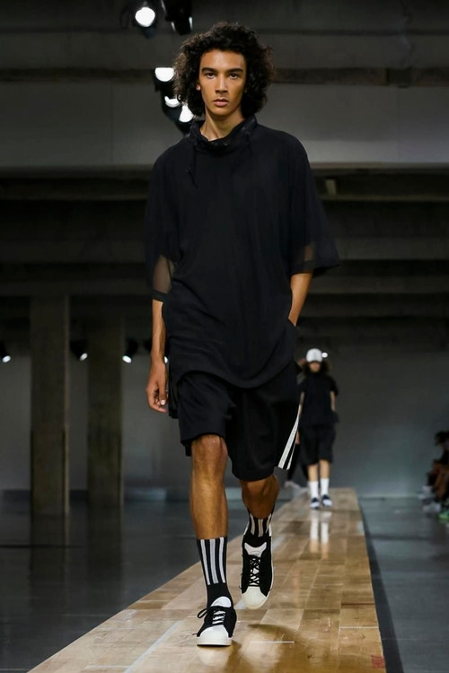 http_hypebeast.com_image_2017_06_y-3-2018-spring-summer-collection-24