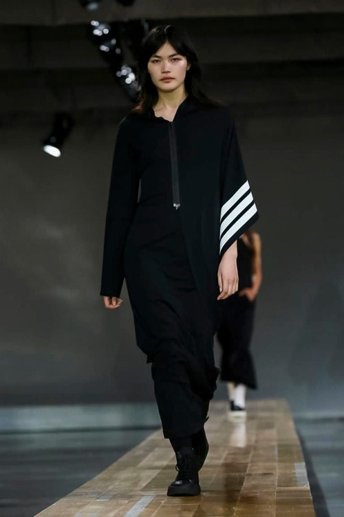 http_hypebeast.com_image_2017_06_y-3-2018-spring-summer-collection-3