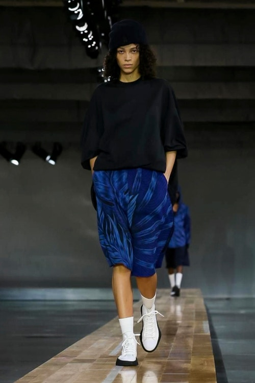 http_hypebeast.com_image_2017_06_y-3-2018-spring-summer-collection-30