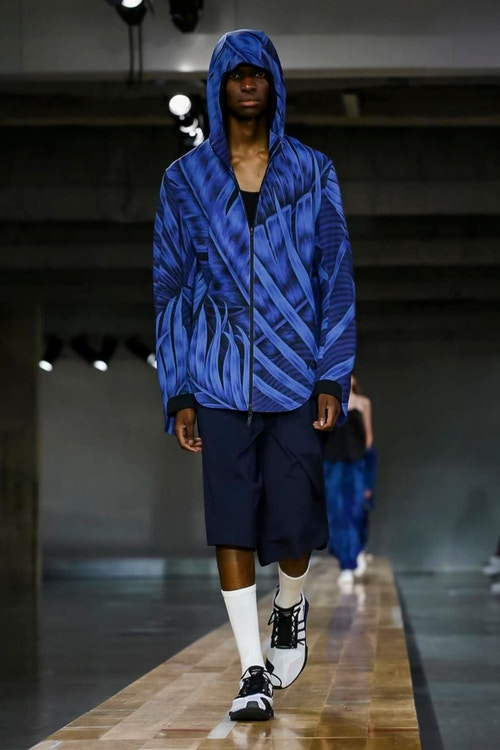 http_hypebeast.com_image_2017_06_y-3-2018-spring-summer-collection-31