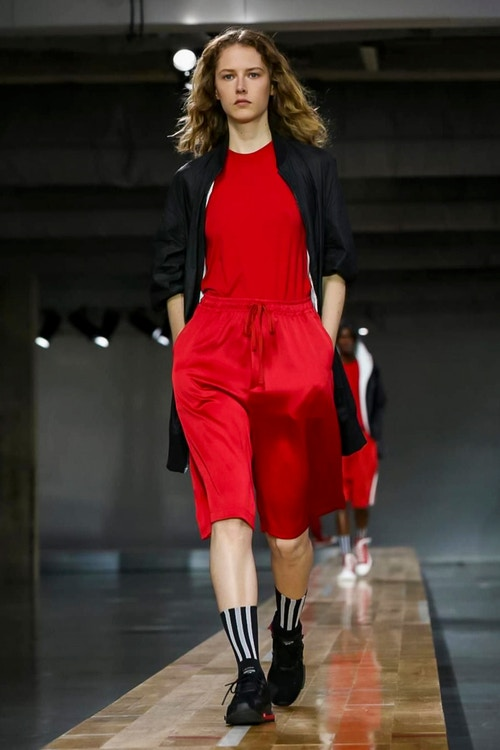 http_hypebeast.com_image_2017_06_y-3-2018-spring-summer-collection-36