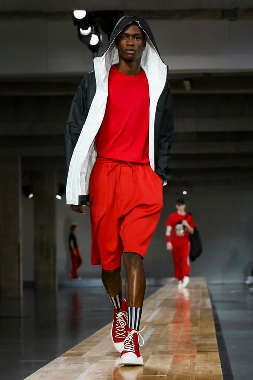 http_hypebeast.com_image_2017_06_y-3-2018-spring-summer-collection-37