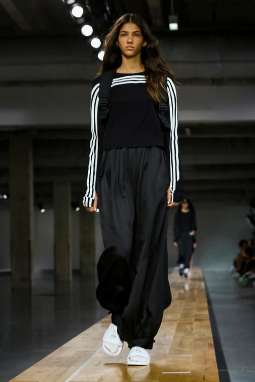 http_hypebeast.com_image_2017_06_y-3-2018-spring-summer-collection-41
