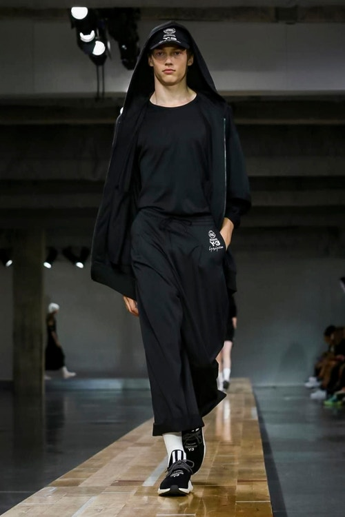 http_hypebeast.com_image_2017_06_y-3-2018-spring-summer-collection-42