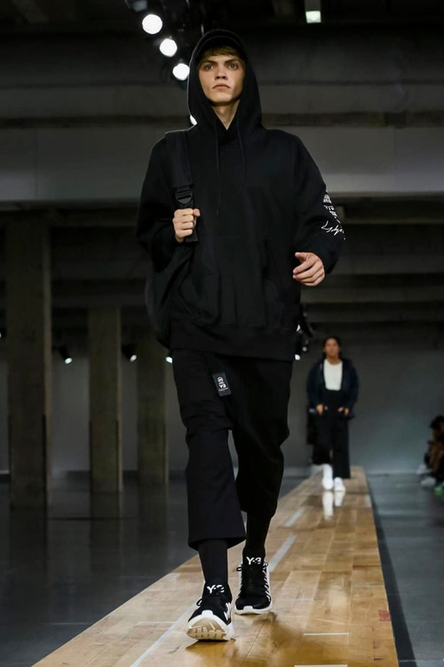 http_hypebeast.com_image_2017_06_y-3-2018-spring-summer-collection-45