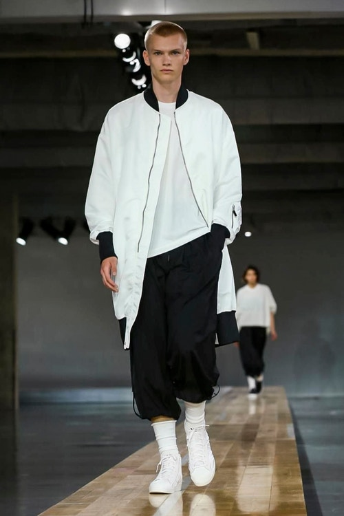 http_hypebeast.com_image_2017_06_y-3-2018-spring-summer-collection-51