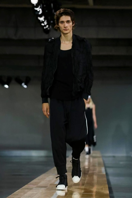 http_hypebeast.com_image_2017_06_y-3-2018-spring-summer-collection-7