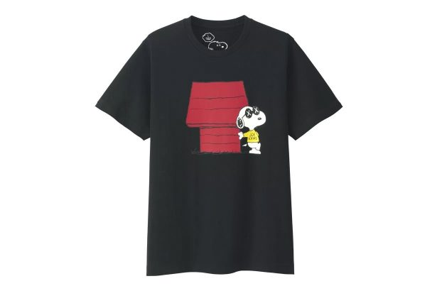 http_hypebeast.com_image_2017_03_kaws-peanuts-uniqlo-ut-collection-complete-look-03