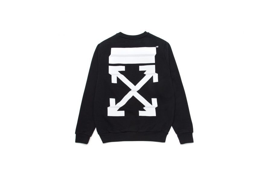 http_hypebeast.com_image_2017_05_off-white-virgil-abloh-hong-kong-central-it-exclusive-3