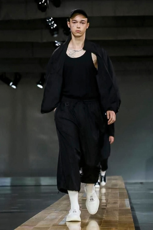 http_hypebeast.com_image_2017_06_y-3-2018-spring-summer-collection-14