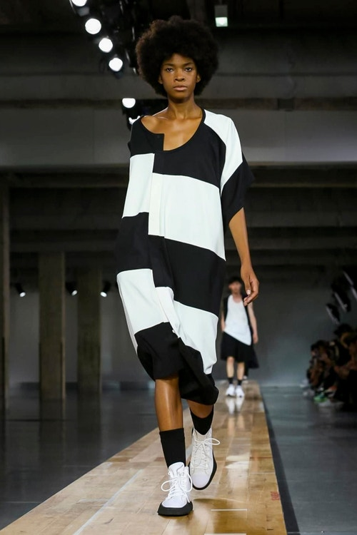http_hypebeast.com_image_2017_06_y-3-2018-spring-summer-collection-16
