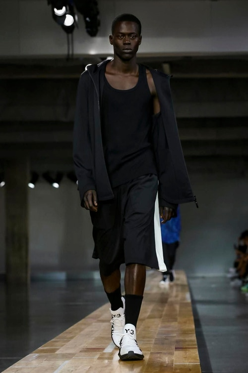 http_hypebeast.com_image_2017_06_y-3-2018-spring-summer-collection-28