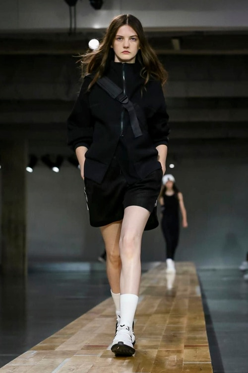 http_hypebeast.com_image_2017_06_y-3-2018-spring-summer-collection-43