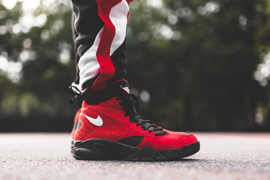 http_hypebeast.com_image_2017_09_kith-pippen-9
